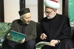Embedded thumbnail for Шейх Ахмад Абдулаев встретился с доктором шариатских наук Хусамуддином Мухаммад-Салихом